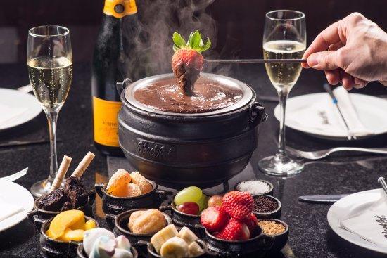 Friozinho chegou e que tal um fondue de chocolate???
